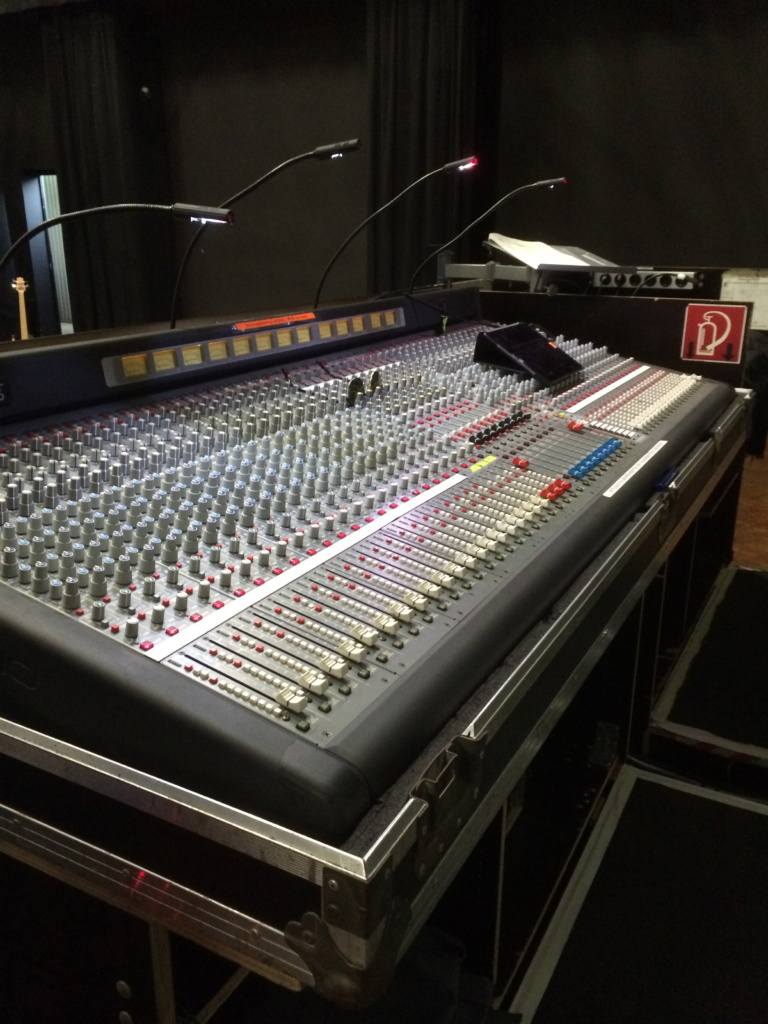 Nice desk, manned by a great sound engineer.